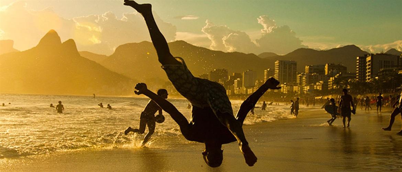 Γκέι γυμνή trucker ιστορίες. Το μεγάλο πουλί της βραζιλίας γκέι άντρες.